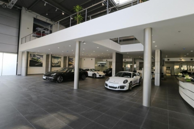 PORSCHE CAR SHOWROOM